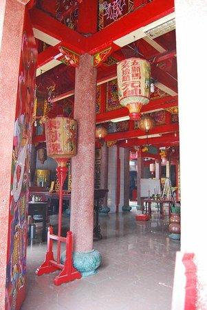 Gunung Timur Temple:                   The interior