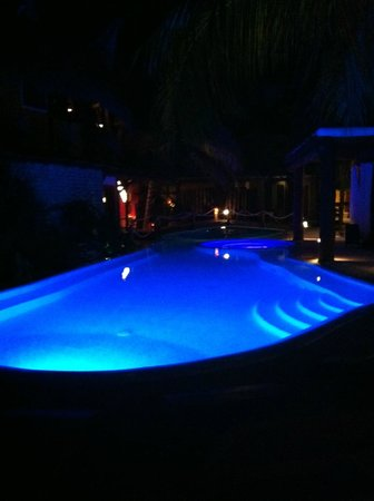 Holbox Hotel Casa las Tortugas - Petit Beach Hotel & Spa:                                     Pool by night