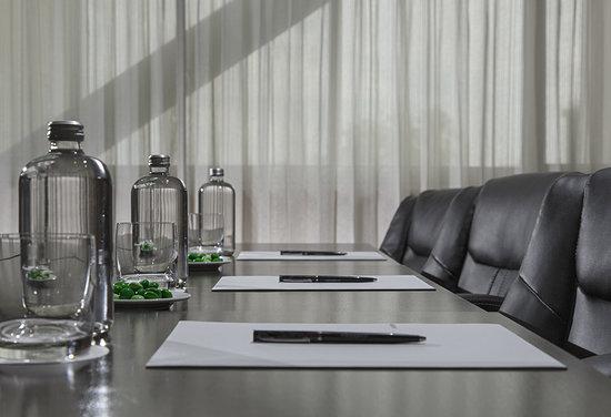 เอ็มบาสซี่ สวีทส์ เม็กซิโก ซิตี้ รีฟอร์มา: Meeting Room