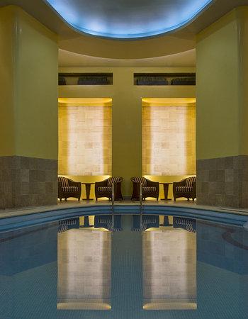 เอ็มบาสซี่ สวีทส์ เม็กซิโก ซิตี้ รีฟอร์มา: Indoor Pool
