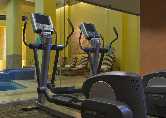 เอ็มบาสซี่ สวีทส์ เม็กซิโก ซิตี้ รีฟอร์มา: Gym