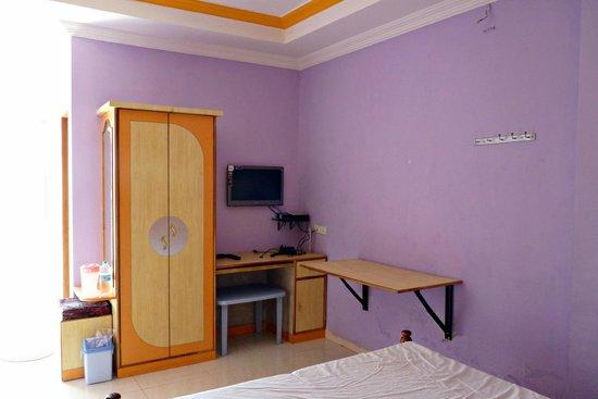 Hotel Padmapani Park :                                     Semi-Deluxe Room