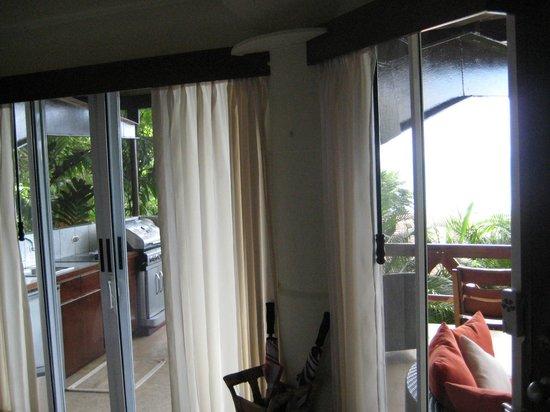 Tulemar Bungalows & Villas:                                     Villa Mot Mot (lower) view inside out