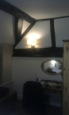 Innkeeper's Lodge - The Bull's Head: Genuine Oak Beams in Bedroom