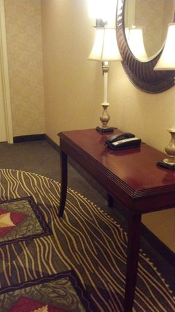 Hilton Garden Inn Savannah Midtown:                   There is a CLEAN and dust-free table in the hall as you exit the elevator on e