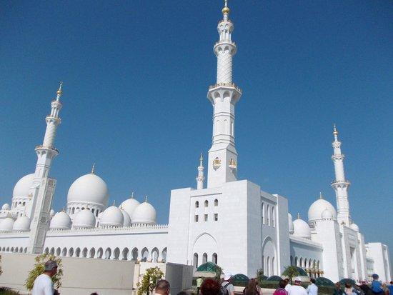 Sheikh Zayed Mosque:                   moschea al zahyed abu dhabi