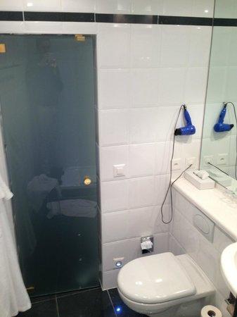 Hotel Ambassador:                   bagno