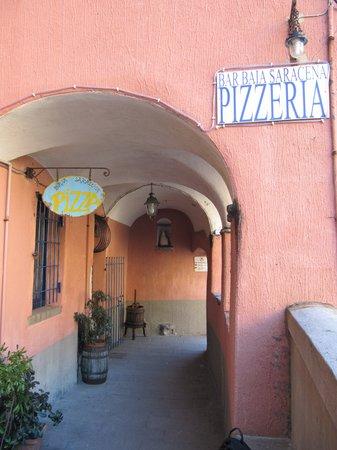 pizzeria baia saracena vernazza