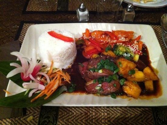 Le Café Thaï :                   Cannard à l'ananas (très épicé)