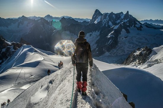 Mont Blanc: Descending the ridge from the Aig. du Midi