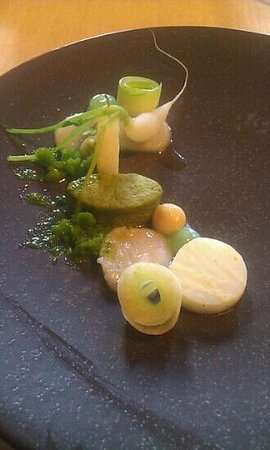 't Aards Paradijs:                   appetizer with scallops and forgotten vegetables