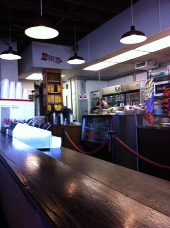 Joni's Coffee Roasting Cafe : avoid this place