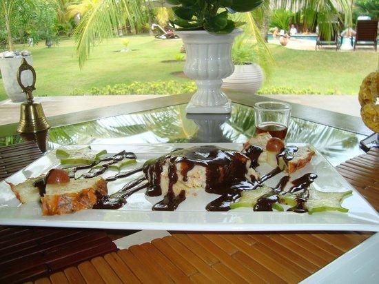 Casa Acayu:                   Pave de caju, simplismente a melhor sobremesa que ja comi!