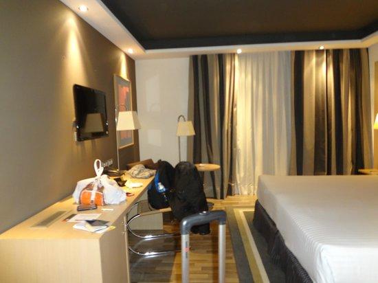 Hotel Jazz:                   Quarto amplo