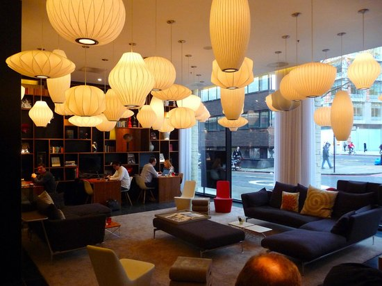 citizenM London Bankside: here they work and chat