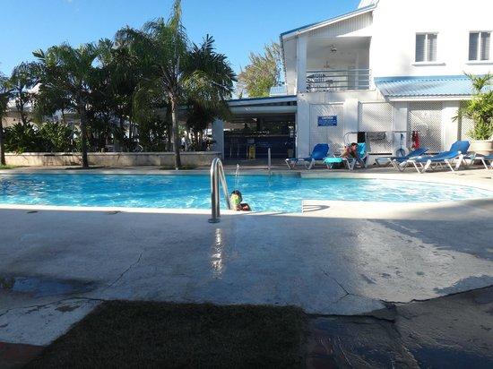 Hibiscus Apartments:                   Beach House