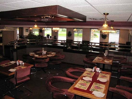 Golden Valley Restaurant: Lounge