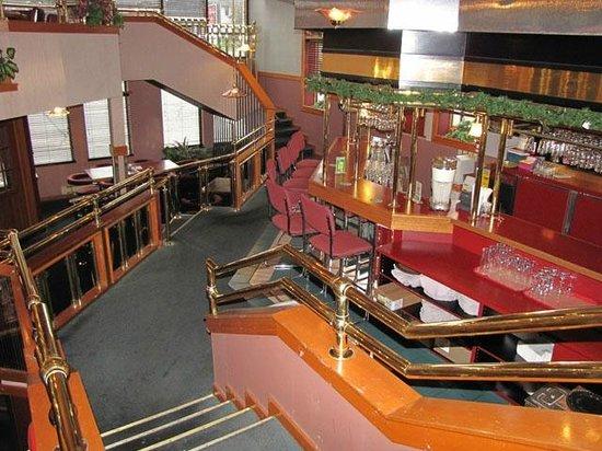 Golden Valley Restaurant: Stairways Dining Lounge