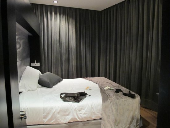 โรงแรมกาตาโลเนีย กาเตดราล:                   habitacion amplia
