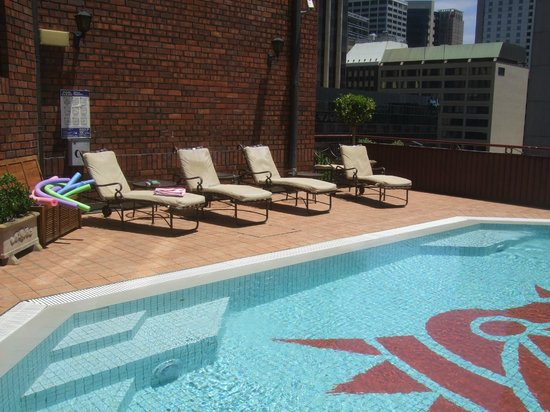 Sir Stamford at Circular Quay Hotel Sydney: Outdoor pool on the Fifth Floor
