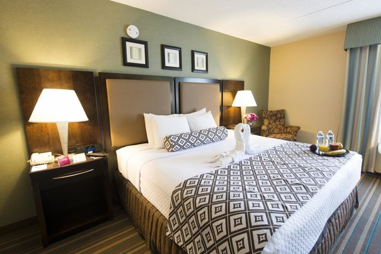 Crowne Plaza Philadelphia  -  Bucks County Resmi