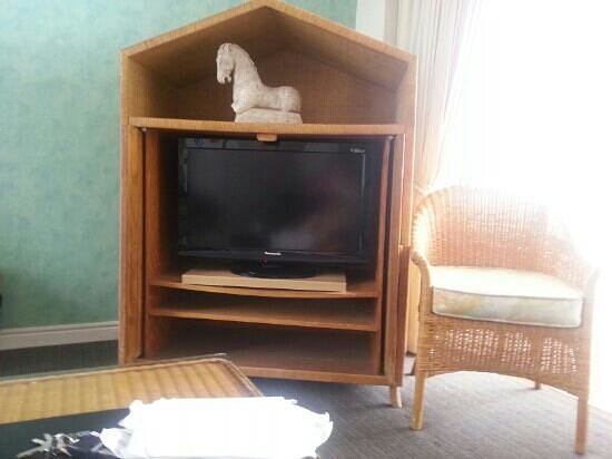 BreakFree Moroccan:                                     good size tv but old furniture