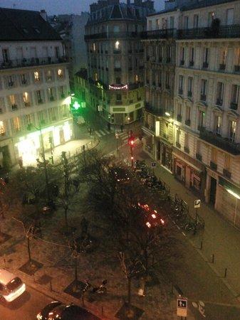 Hôtel Carladez Cambronne :                   La vista dalla camera superior