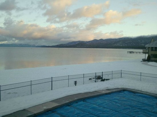 Tahoe Lakeshore Lodge and Spa:                                     sunrise1