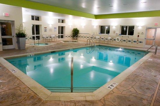 Fairfield Inn & Suites Wilkes-Barre Scranton: Indoor Pool & Hot Tubs