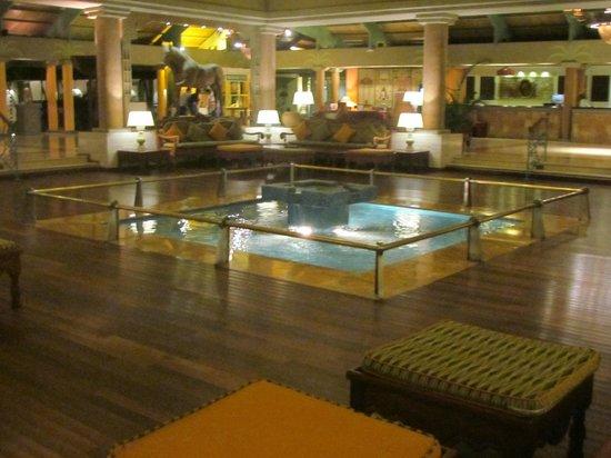 Iberostar Bavaro Suites:                   Lobby del hotel
