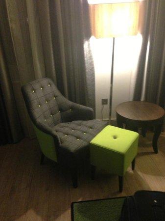 Hotel Indigo London Kensington:                   Seating Area