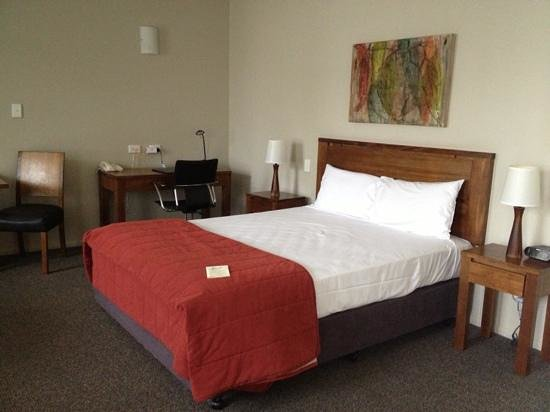 Coachman's Inn Warwick:                   ground floor room