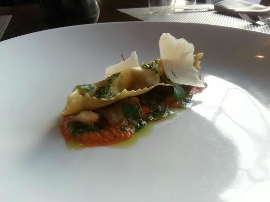 Hops and Vines: Smoked mushroom agnolotti, charred pepper nage and arugula walnut pesto