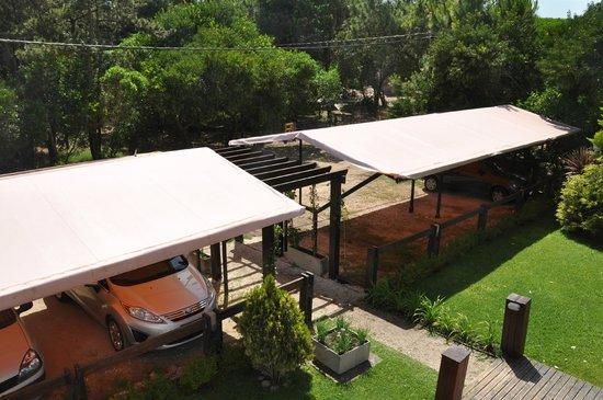 Solar Pampa : Estacionamiento cubierto