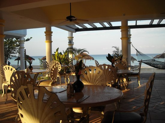 Beachcomber Club:                                     A good view from dining area