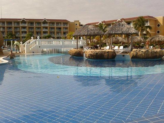 Piscina picture of iberostar laguna azul varadero for Piscine varadero