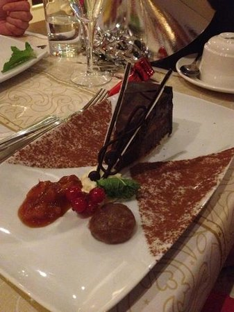 The County Hotel: Yummy chocolate dessert