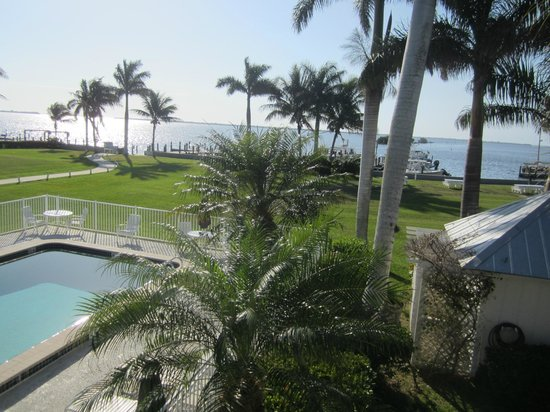 Tarpon Lodge & Restaurant:                   Grounds & Pools