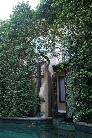 Sawasdee Village: Aussenpool Villa/Eingang Whirlpool