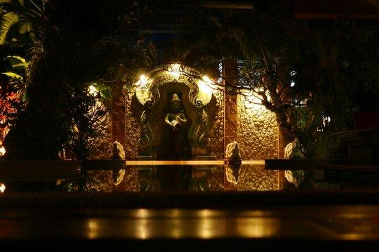 Sawasdee Village : Pool by Night