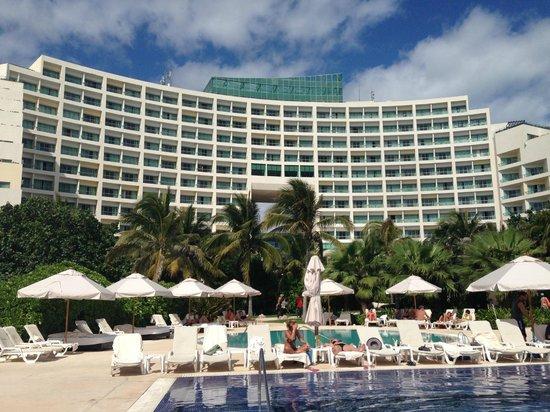 Live Aqua Beach Resort Cancun:                   View of hotel from pool