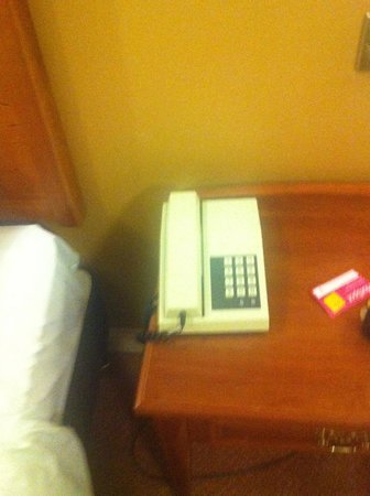 Westport Woods Hotel:                   Broken Phone