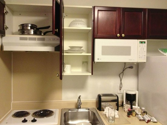Extended Stay America - Columbus - Polaris: kitchen