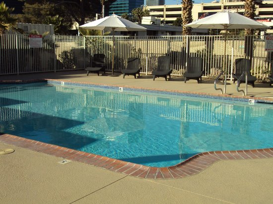 Howard Johnson on East Tropicana, Las Vegas Near the Strip: Pool