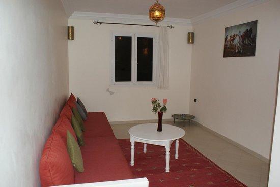 Residence Louzani: Salon