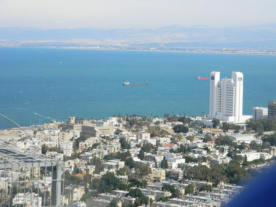 Northern District, Israel:                   view from Mt. Carmel to the Port in HAIFA