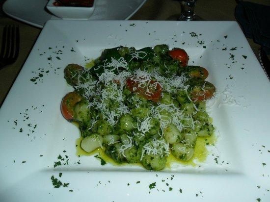 Tramonti :                   Gnocchi with pesto sauce.  Excellent
