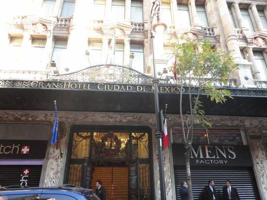 Gran Hotel Ciudad de Mexico:                   Front entrance