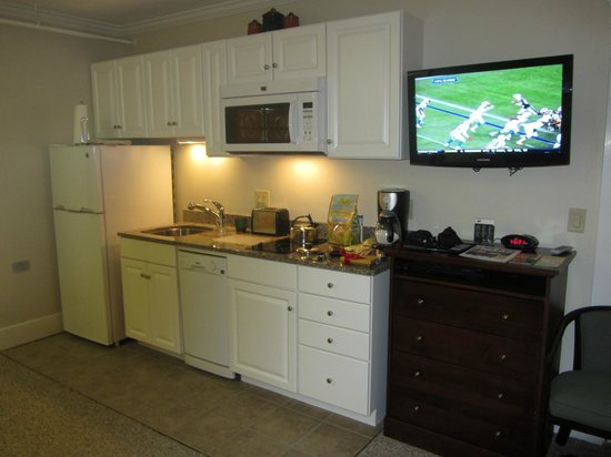 Eastern Slope Inn: Kitchenette
