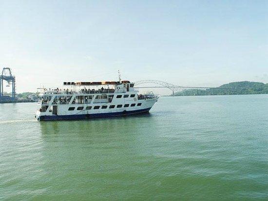 Panama Canal Tours. Full Transit